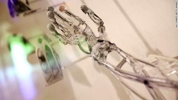 3D nyomtatott kar egy londoni konferencián 2013 októberéből
